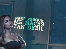 Carlitos Rossy - Muy Debil. Музыкальный клип.